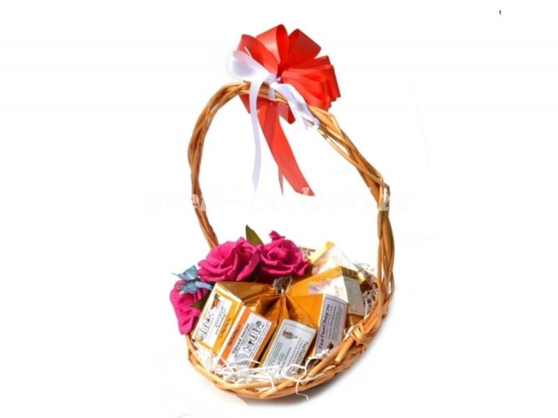 Подарки в корзинках с чаем 94